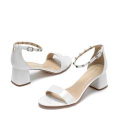 达芙妮时尚铆钉一字扣粗跟凉鞋1017303038