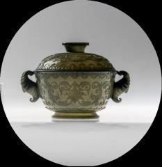 恒都斯坦工艺、古法再现、薄胎、玉雕大师手工雕刻《青玉盖碗》